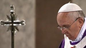 o-POPE-LENT-facebook
